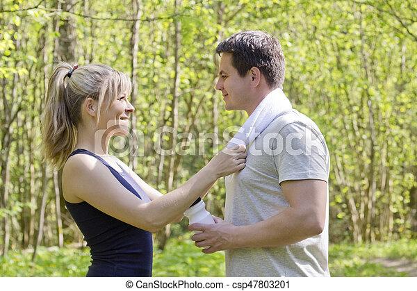 mujer, atlético, después, ejercicio salud, hombre - csp47803201