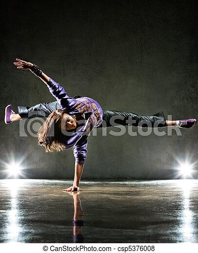 Mujer bailarina - csp5376008