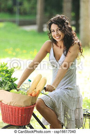 mujer, bicicleta - csp16617040