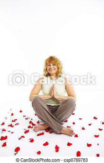 Mujer haciendo ejercicio - csp0769783