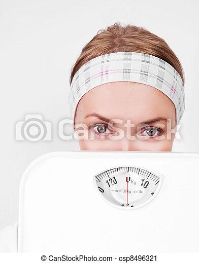Mujer con escamas - csp8496321