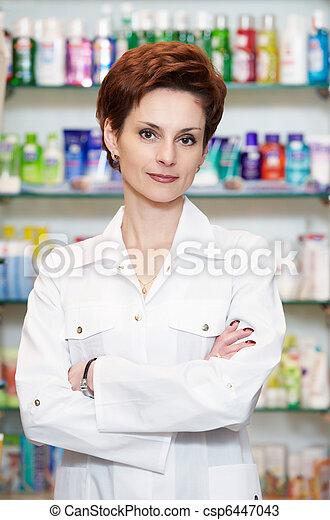 Una farmacia en la farmacia - csp6447043