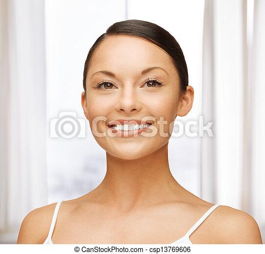 mujer hermosa - csp13769606