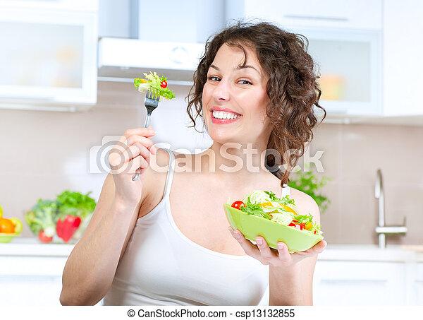 mujer hermosa, comida, ensalada, joven, diet., vegetal - csp13132855