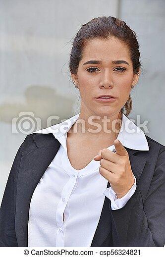 Una mujer de negocios preciosa y loca - csp56324821