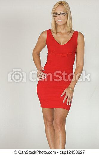 Hermosa mujer - csp12453627