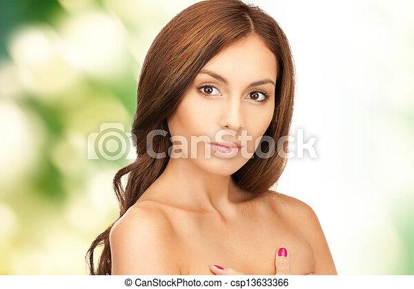 mujer hermosa - csp13633366