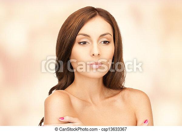 mujer hermosa - csp13633367