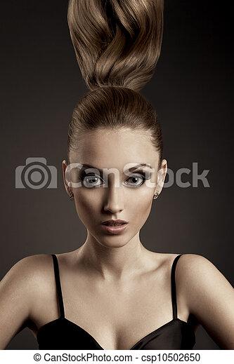 Hermoso retrato de mujer. - csp10502650