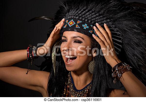 Mujer Indio Americano Disfraz Retrato Estridente Mujer Hermosa - Disfraz-india-americana