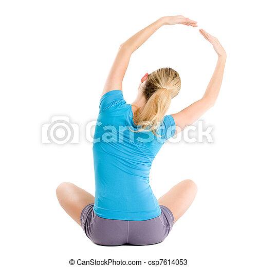 Mujer joven en forma - csp7614053