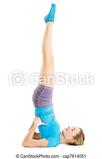 Mujer joven en forma - csp7614051