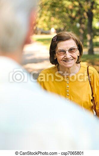 Feliz anciana - csp7065801