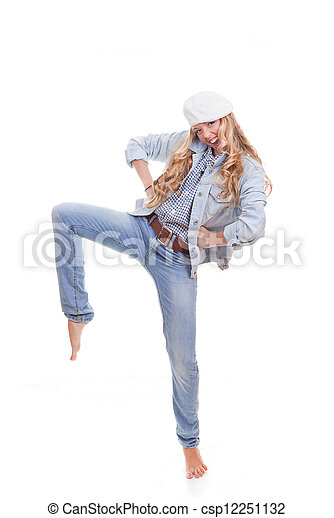 Mujer de moda bailando - csp12251132