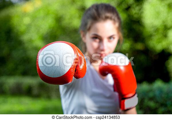 mujer, parque, joven, deportes - csp24134853