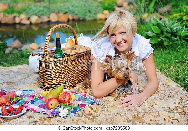 mujer, parque, joven - csp7205589