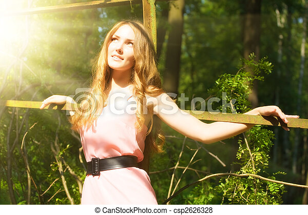 mujer, parque, joven - csp2626328