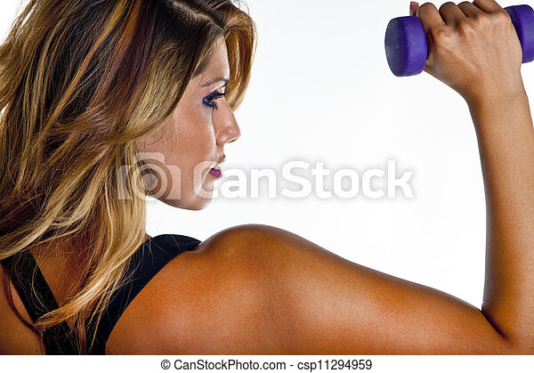 Mujer levantando pesas - csp11294959