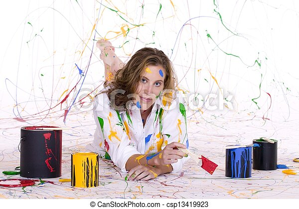 Pintura femenina - csp13419923