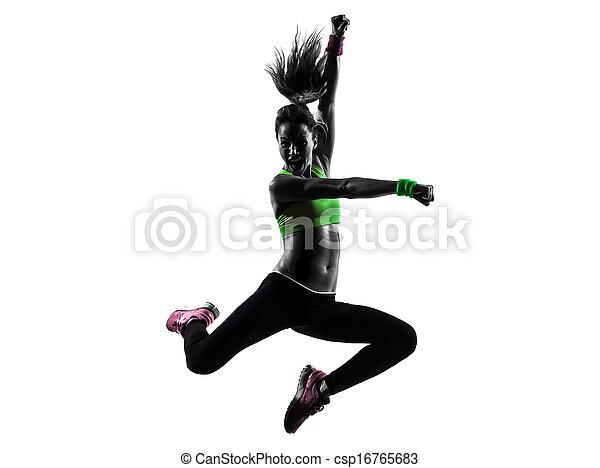 mujer, silueta, zumba, bailando, ejercitar, saltar, condición física - csp16765683
