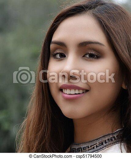 Cara de joven sonriente - csp51794500