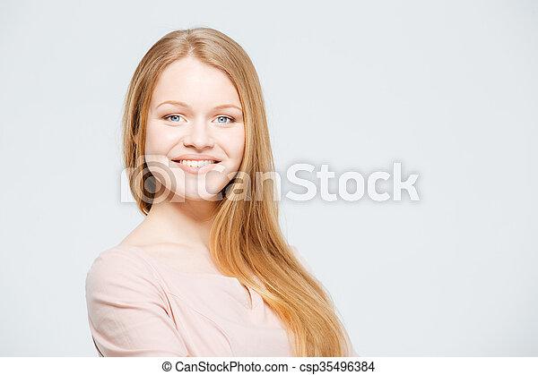 Mujer sonriente - csp35496384