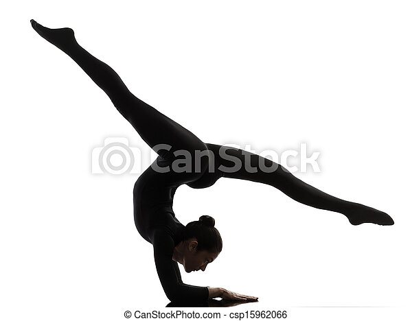 Mujer contorsionista haciendo ejercicio gimnasta de yoga - csp15962066