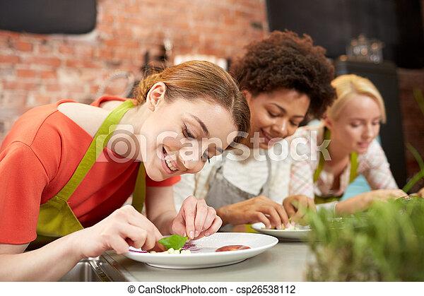 mujeres, decorar, cocina, platos, feliz - csp26538112