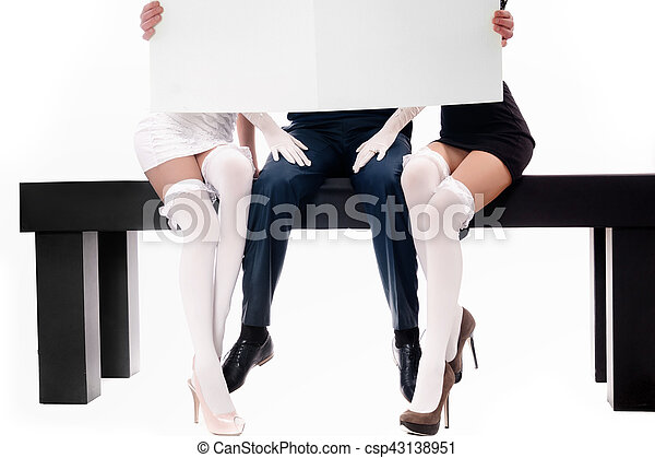 mujeres, dos, hombre - csp43138951