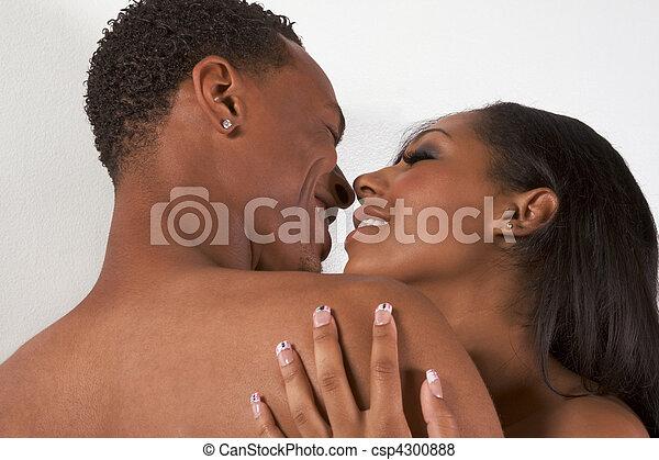 mulher, amor, par, jovem, pelado, beijando, homem - csp4300888