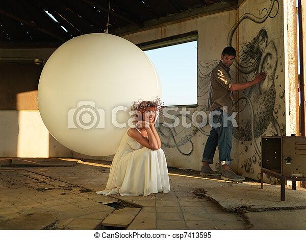 mulher, artista, paredes, jovem, quadro, inspirado - csp7413595