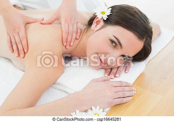 mulher bonita, beleza, costas, spa, desfrutando, massagem - csp16645281