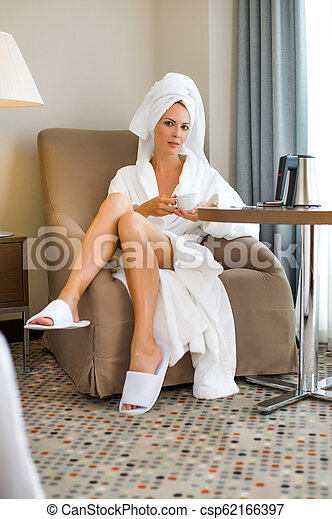 mulher bonita, hotel, adulto jovem, paleto - csp62166397