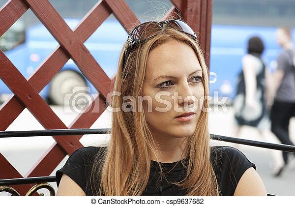 mulher bonita, jovem - csp9637682