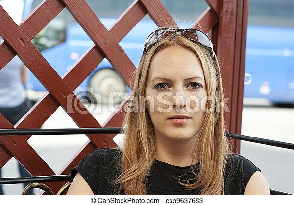 mulher bonita, jovem - csp9637683