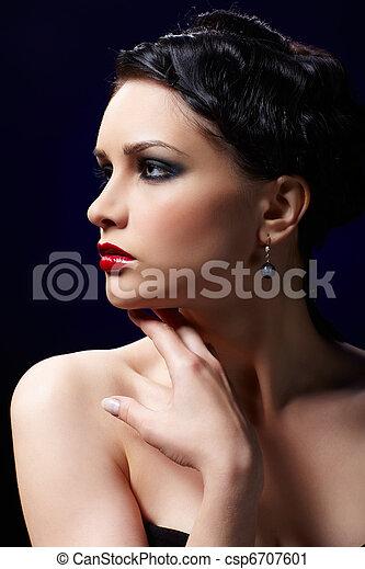 mulher bonita, morena - csp6707601