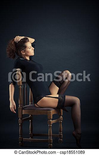 mulher bonita, pretas - csp18551089