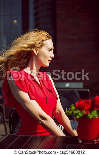 mulher bonita, profile., ela, vestido, vermelho - csp54680812