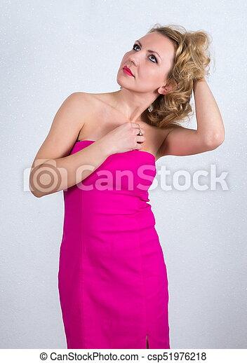 mulher bonita, vestido, loura - csp51976218