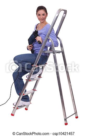 mulher, escadas, broca, sentando - csp10421457