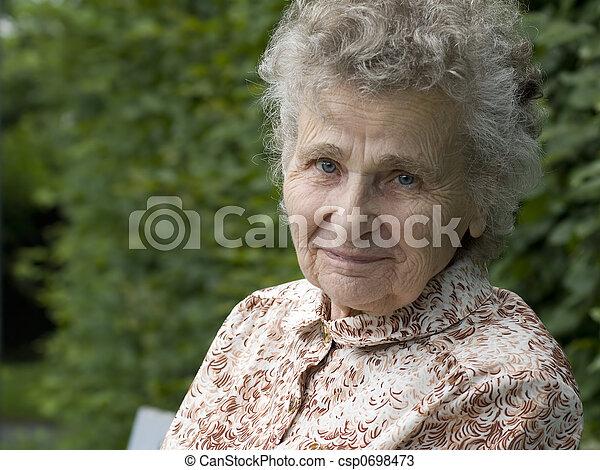 mulher, idoso - csp0698473