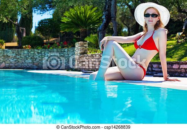 mulher jovem - csp14268839