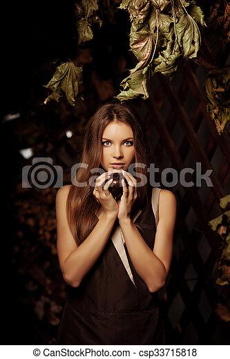 mulher, luxo, jovem, floresta, bonito, místico - csp33715818