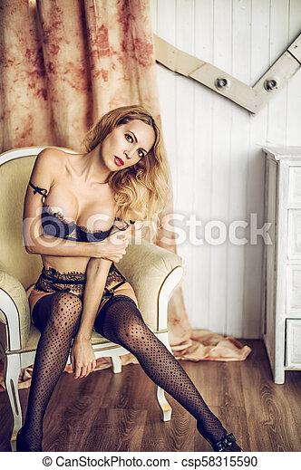 mulher, renda, langerie, excitado, modelo, sala - csp58315590
