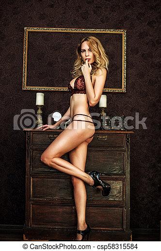 mulher, renda, langerie, excitado, modelo, sala - csp58315584
