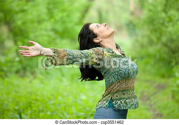 mulher, respirar, natureza - csp3551462
