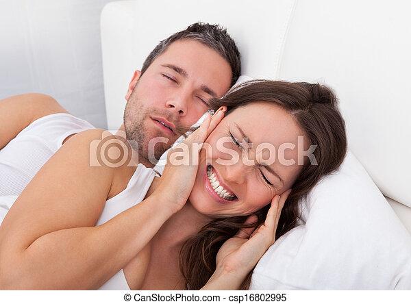 mulher, roncar, perturbado, homem - csp16802995
