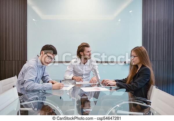 multi, dzielenie, grupa, handlowy zaludniają, pokój, ich, pojęcia, etniczny, spotkanie - csp54647281