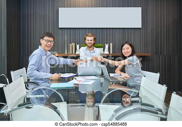 multi, dzielenie, grupa, handlowy zaludniają, pokój, ich, pojęcia, etniczny, spotkanie - csp54885488