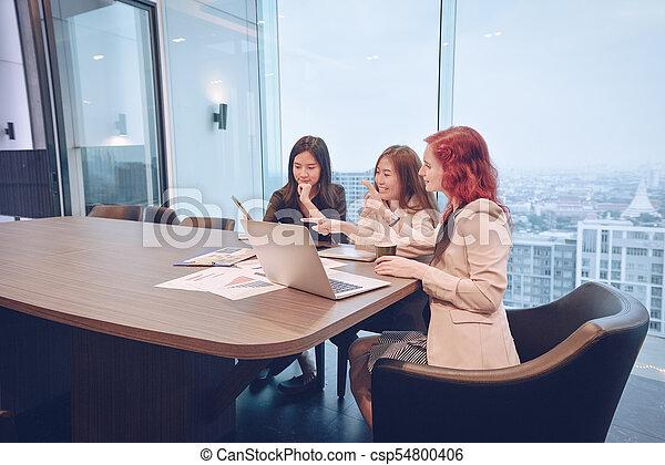 multi, dzielenie, grupa, pokój, handlowy, etniczny, ekran, ich, pojęcia, czysty, spotkanie, kobiety - csp54800406